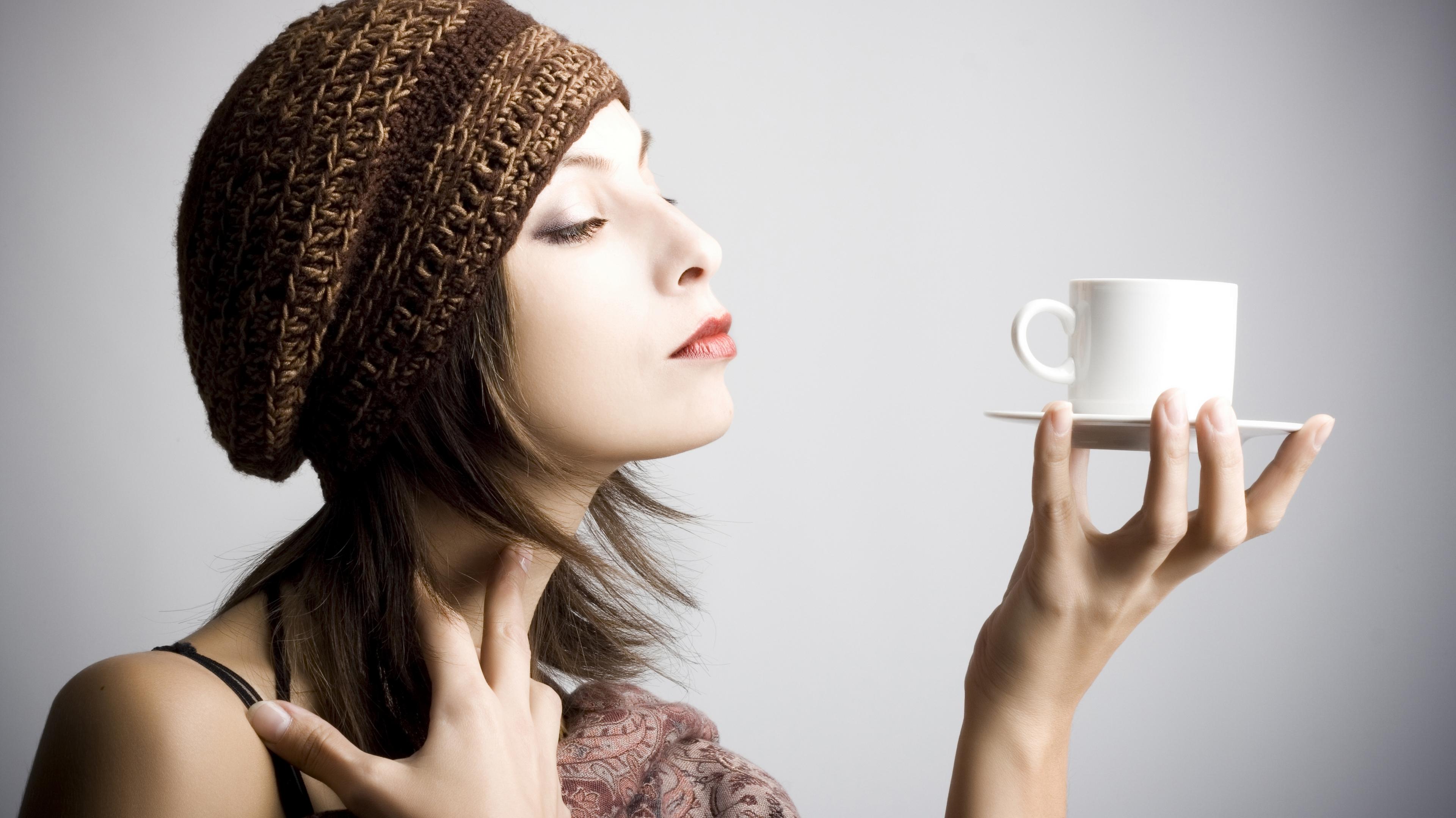 Днем рождения, картинки женщина и кофе