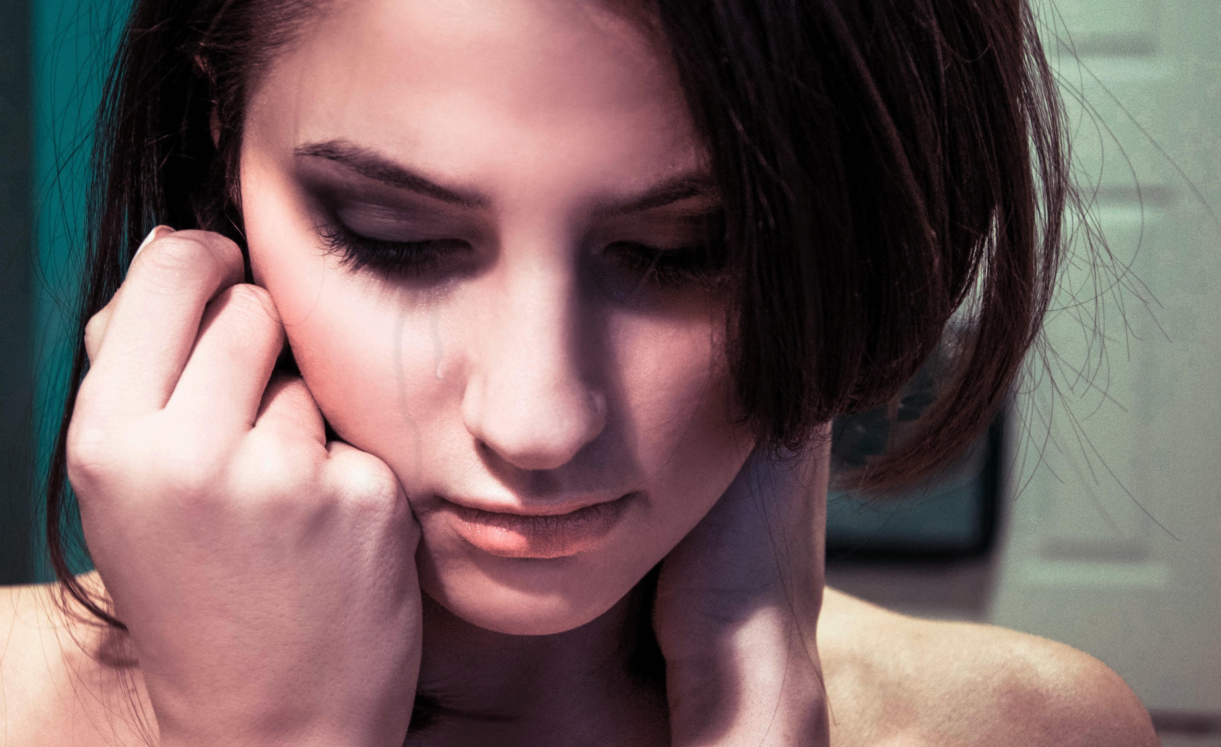 Картинки женщины плачущие