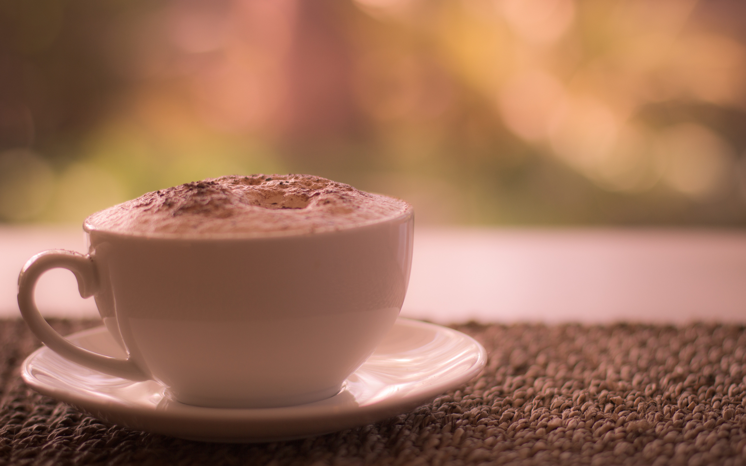 красотка, окно, сидит, кофе загрузить