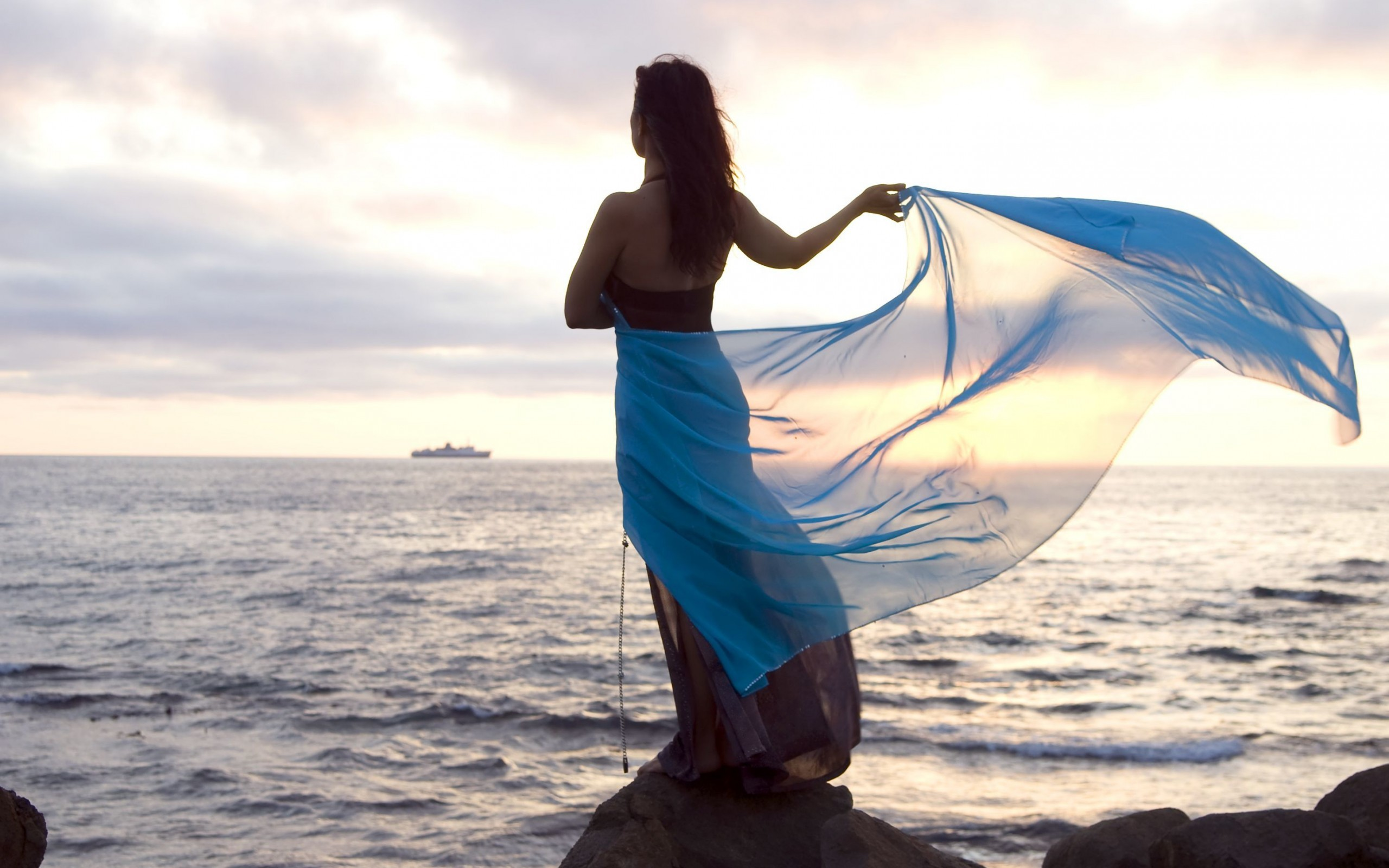 Картинки девушки и море