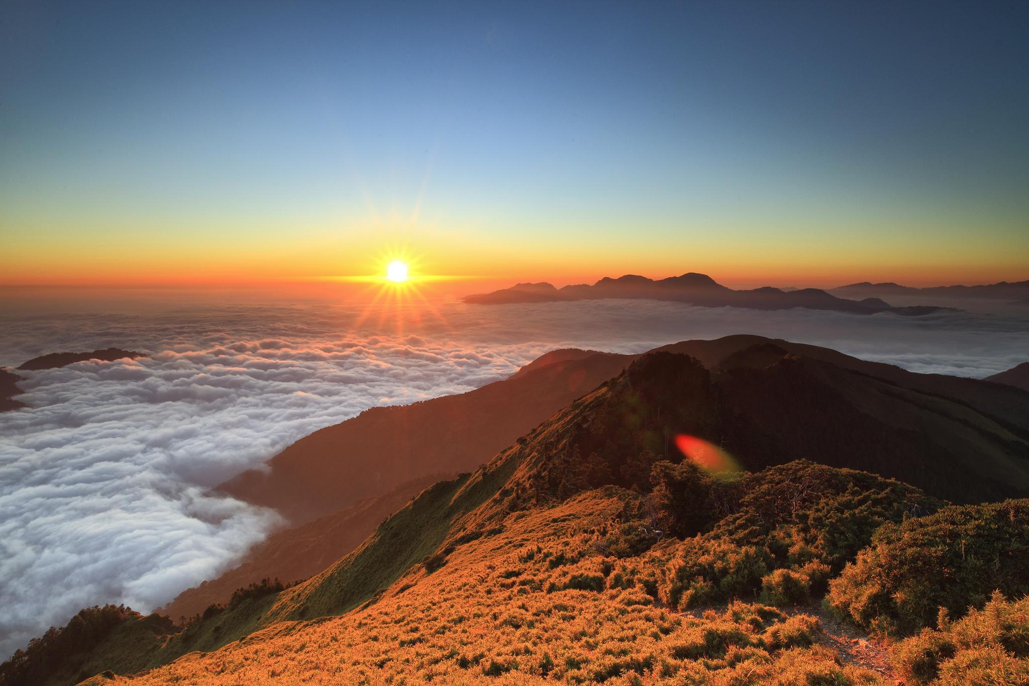 Солнце, рассвет, горы, холмы, дорога  № 3302201 загрузить