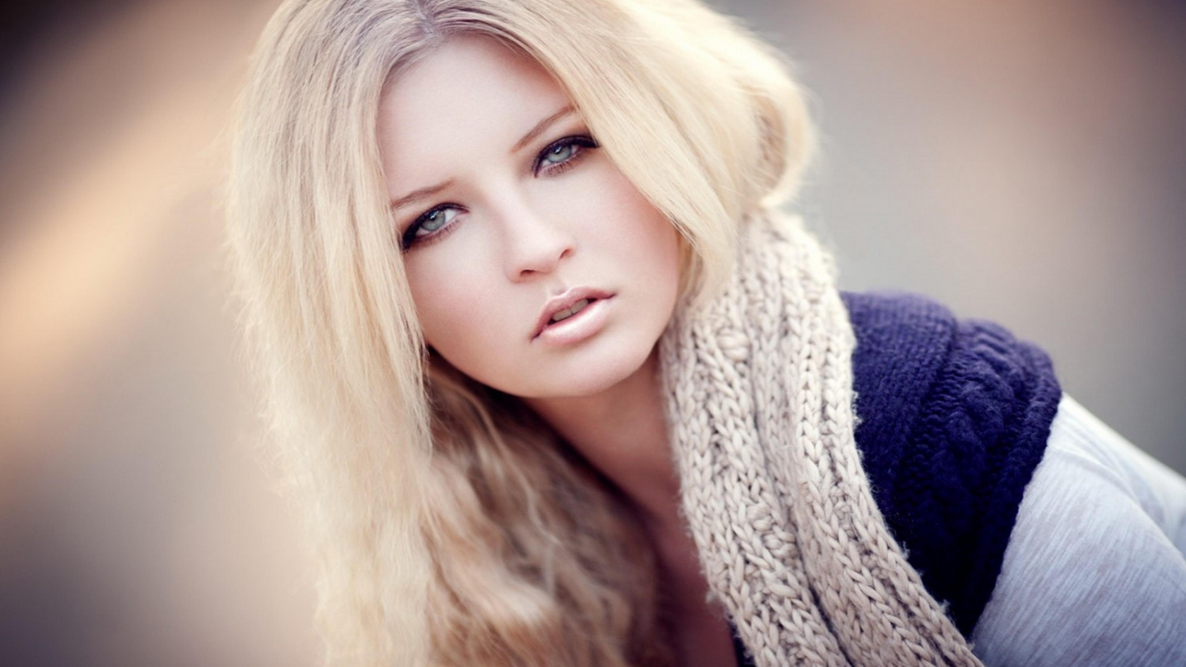 Девушка взгляд задумчивая загрузить