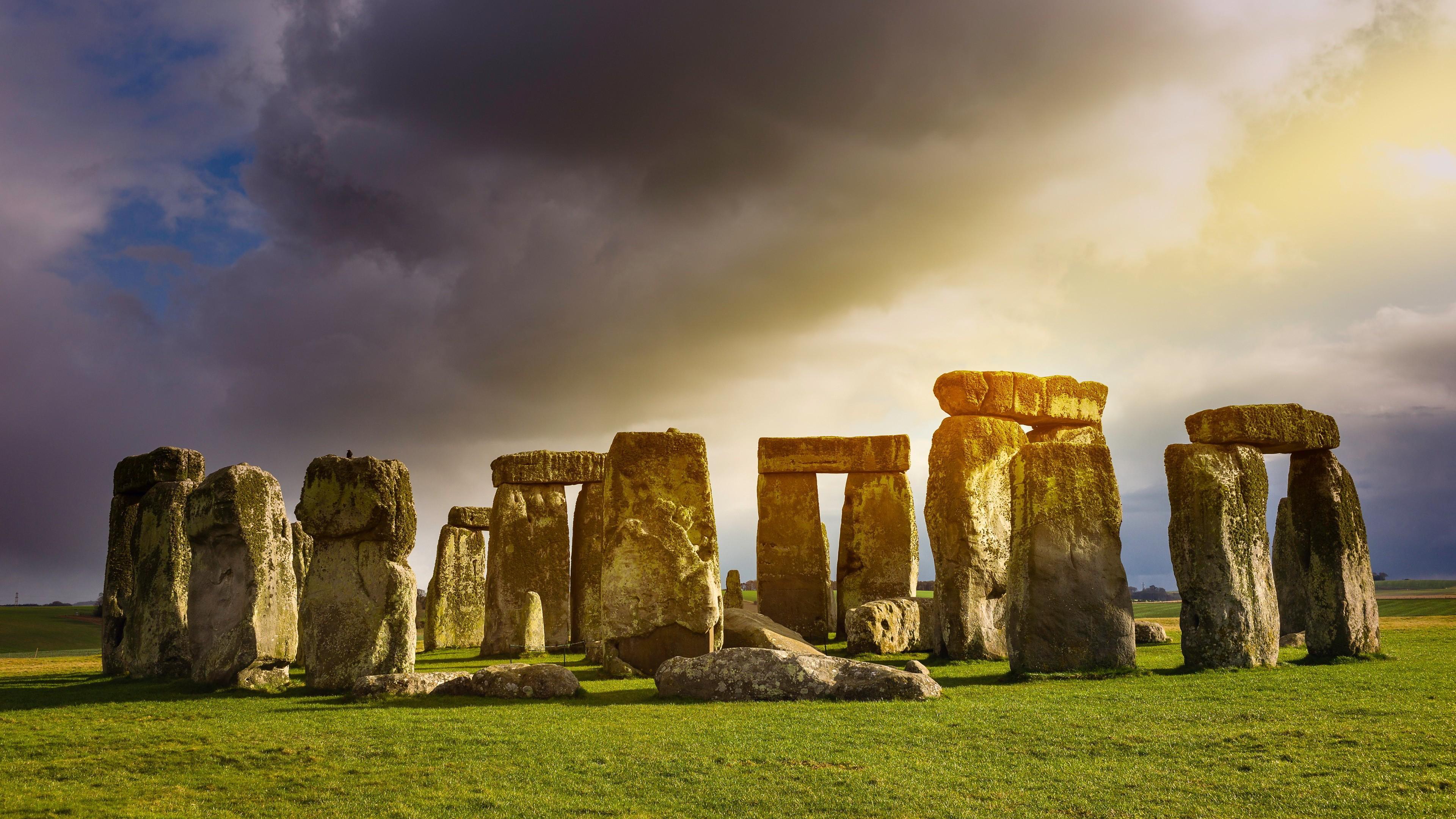 Famous Rock Group, Stonehenge, Wiltshire, England  № 715535 бесплатно
