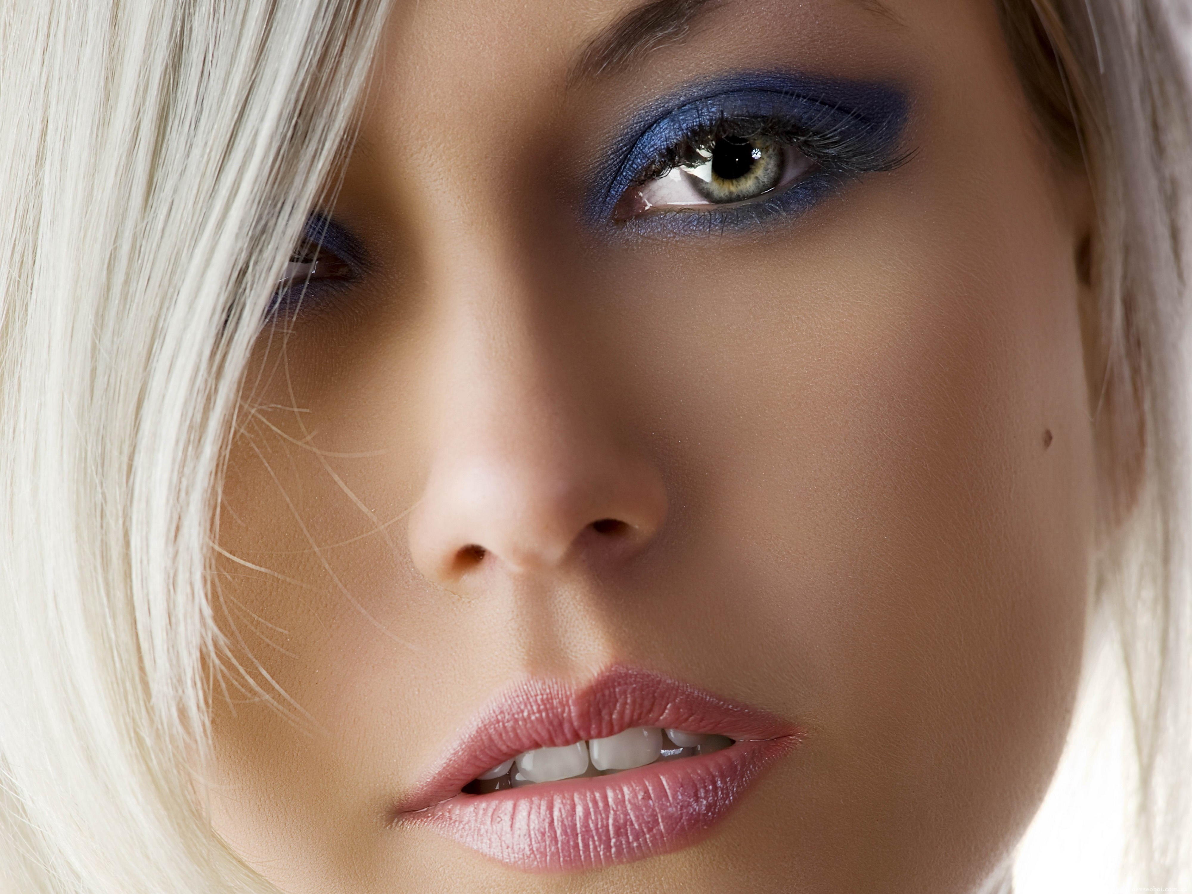 Девушка взгляд губы  № 2820938 без смс