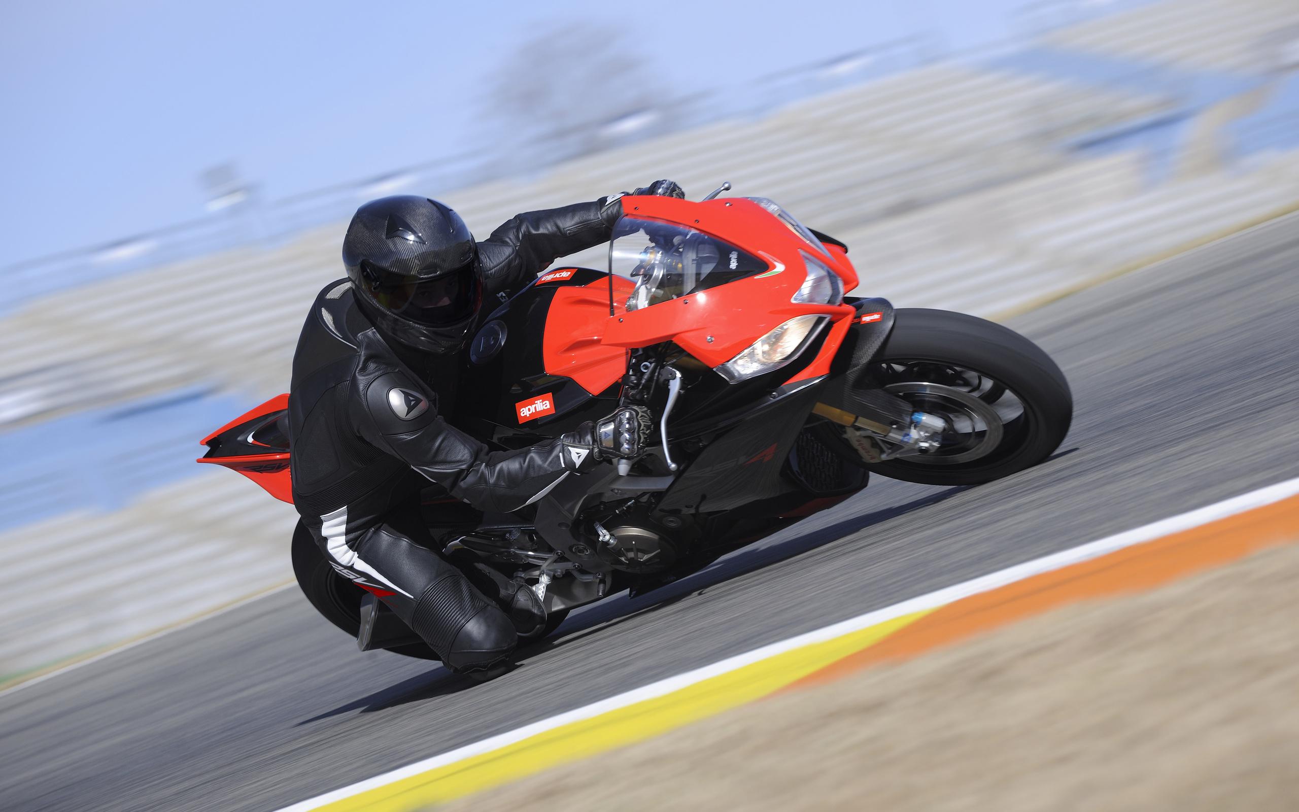 вираж мотоциклист скачать