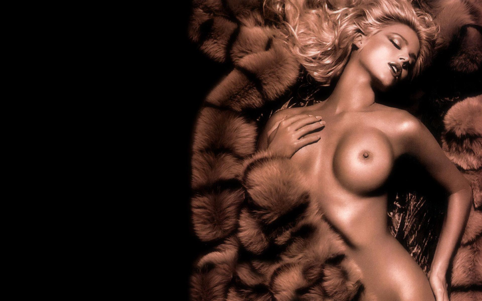 Эротические похождения человека невидимки онлайн 20 фотография