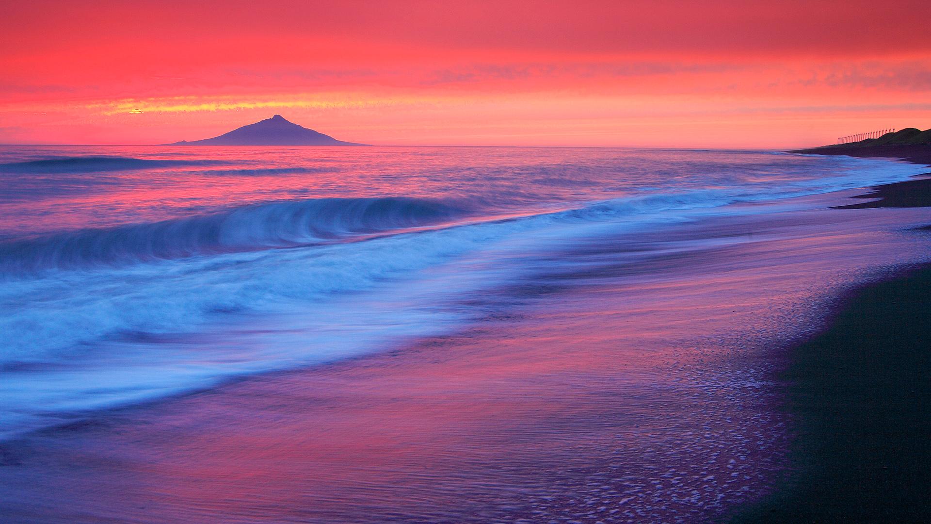 розовый закат, море, горы  № 3110181 бесплатно