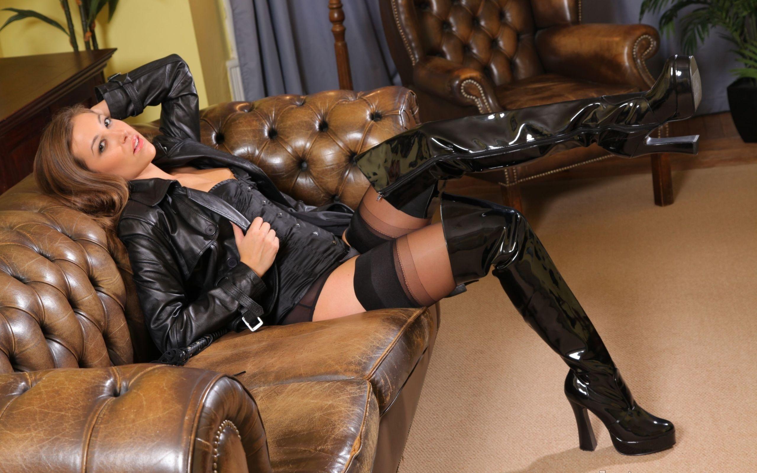 Hot chick in latex stockings Mya Diamond sucks and fucks a hard cock № 581805 без смс