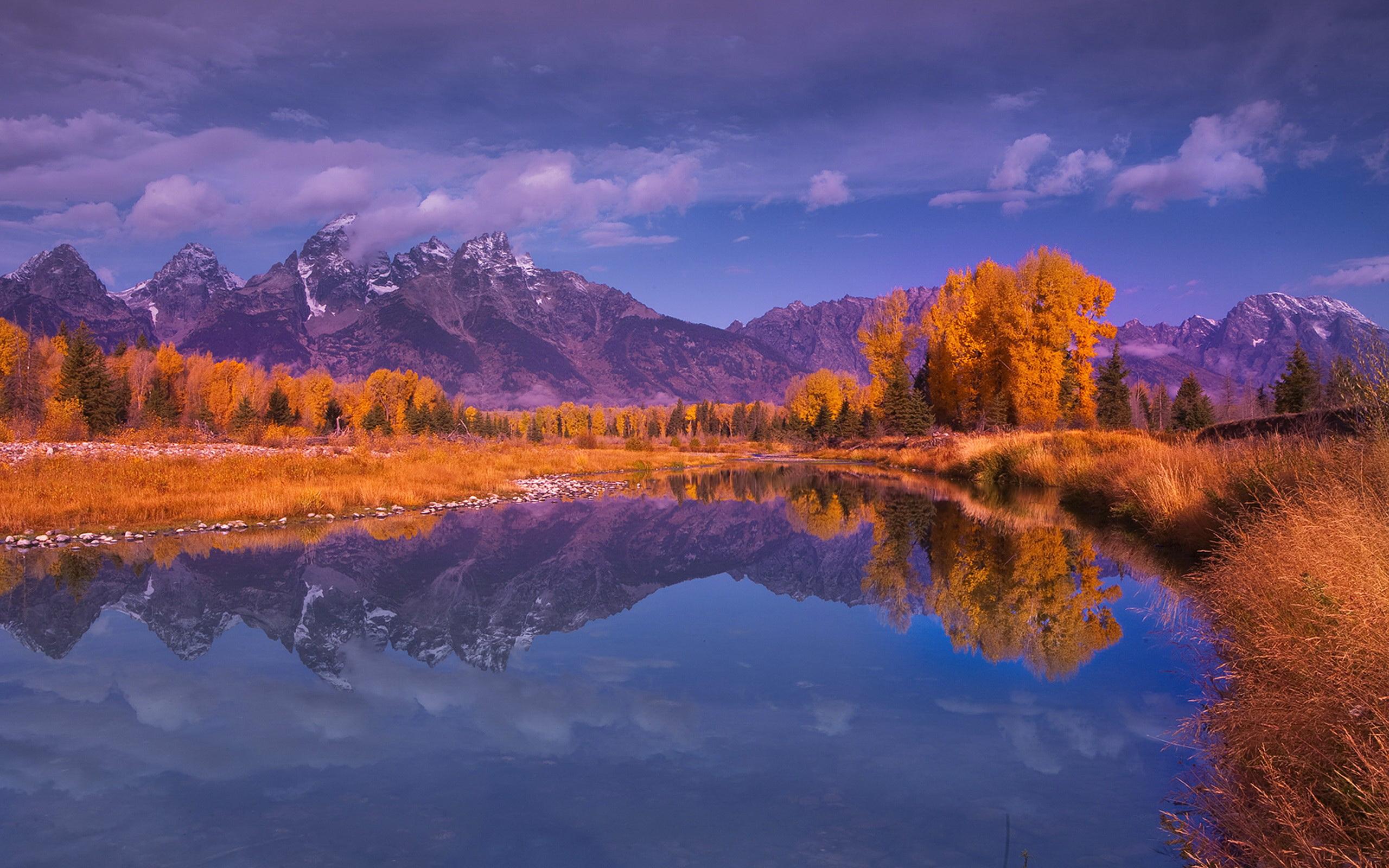 природа деревья осень озеро отражение горы бесплатно