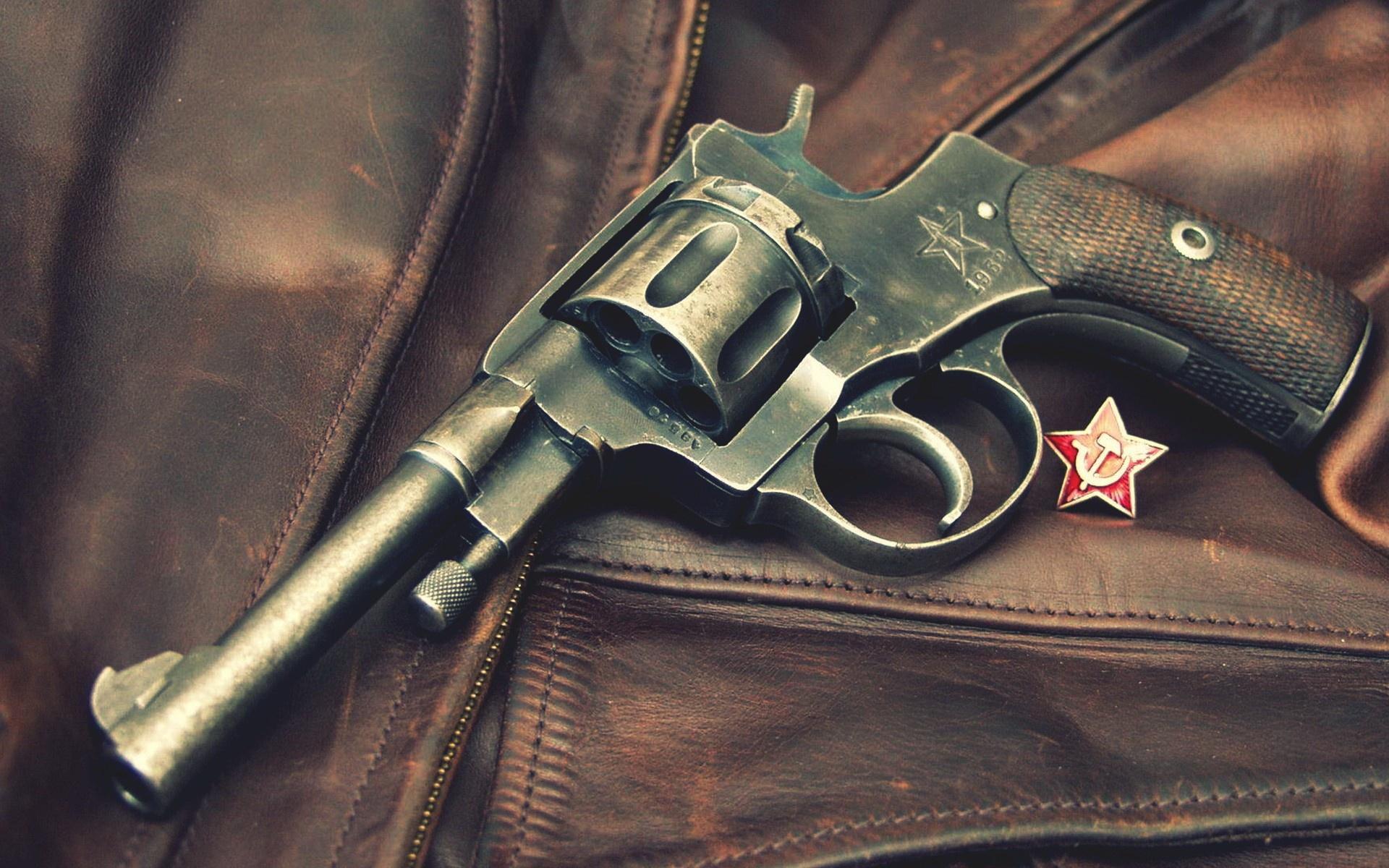 Револьвер с виноградом  № 1624197 без смс